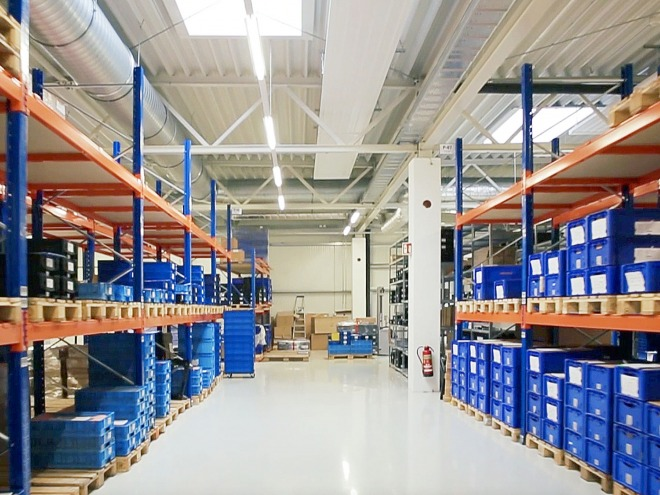 digades logistics solutions - Warehouse in the production centre